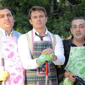 Tre uomini e un babà - Foto in locandina